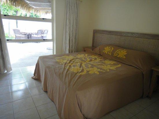 Te Manava Luxury Villas & Spa : downstairs room (king bed)