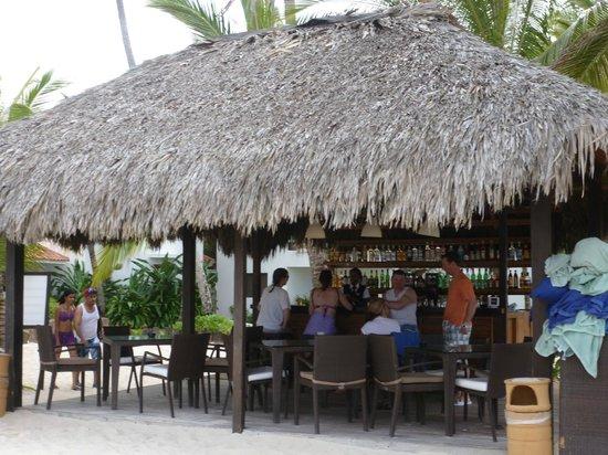 Occidental Grand Punta Cana: RC beach bar