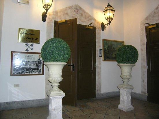 Hotel Pensione Barrett: Entrata
