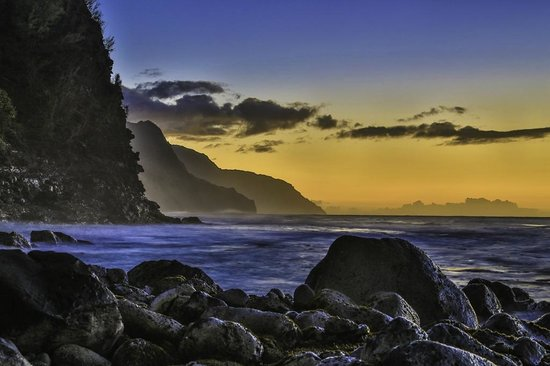 Kapaa, HI: Na Pali Coast Sunset with Kauai Photo Tours