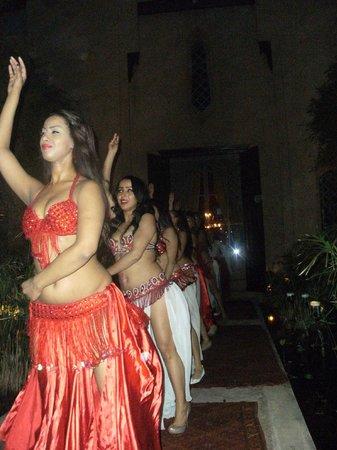 Riad Swaka : danseuses
