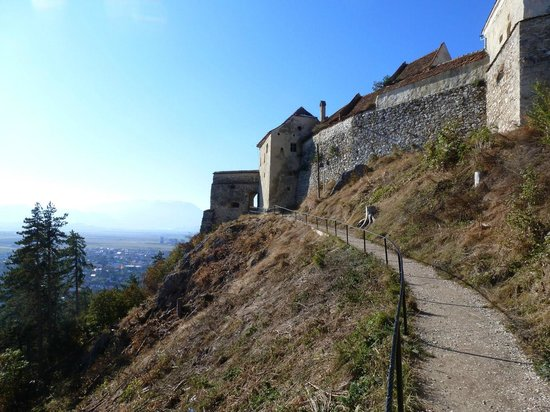 Rasnov Citadel: The path outside (more picturesque than what's inside)