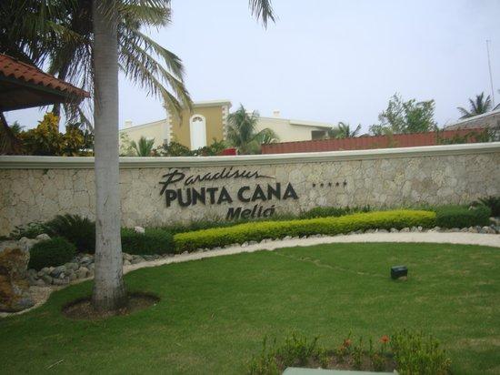 Paradisus Punta Cana Resort: Entrada Principal al Resort