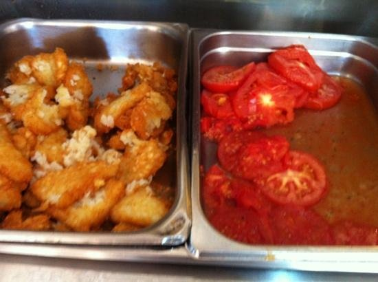 Rottnest Lodge: hash browns and tomatoes- yuk!