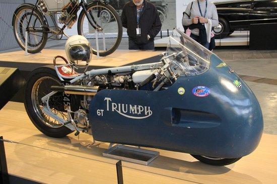 Toitu Otago Settlers Museum: motorbike