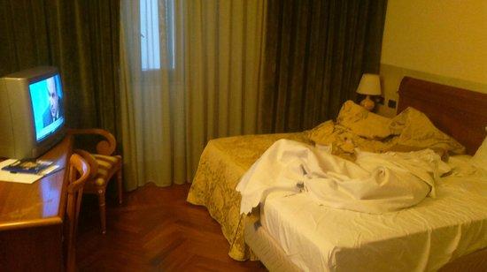 Marconi Hotel: room