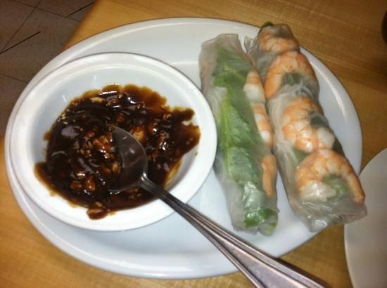 Pho Saigon: spring rolls - shrimp/pork