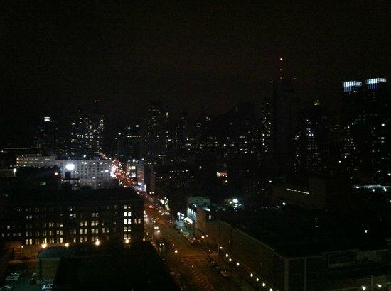 Kimpton Ink48 Hotel: Night view