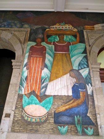 Murales de Diego Rivera en la Secretaría de Educacion Publica: Very colorful