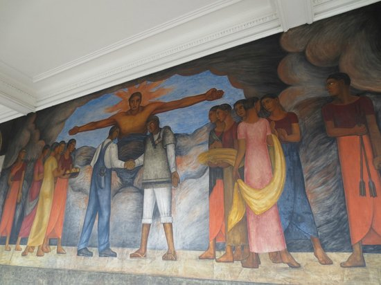 Murales de Diego Rivera en la Secretaría de Educacion Publica: There's over 150 murals that line the corridors.  All outside.
