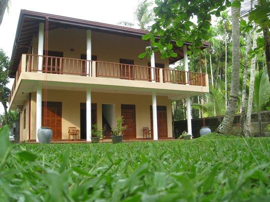 Hettimulla River House