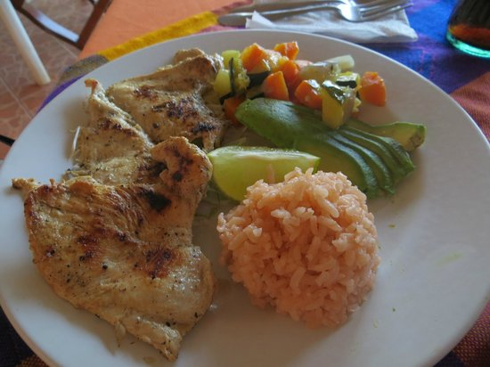 Cana Nah : Grilled chicken dinner