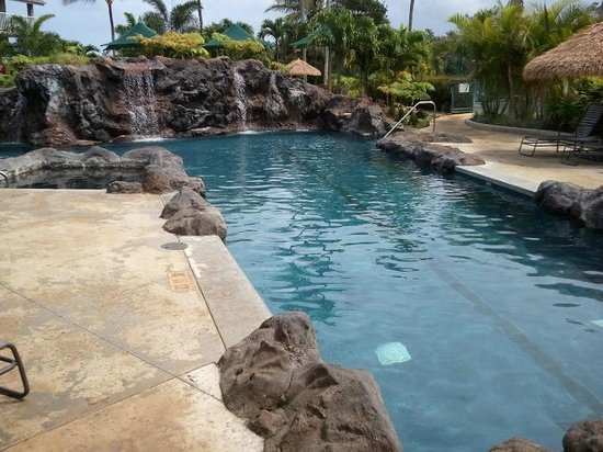 The Cliffs at Princeville: Main pool area w/ spa