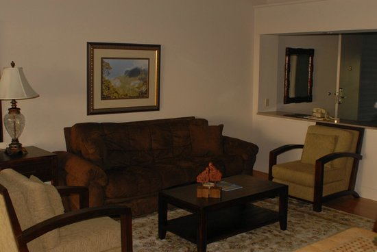 The Cliffs at Princeville: Living Room