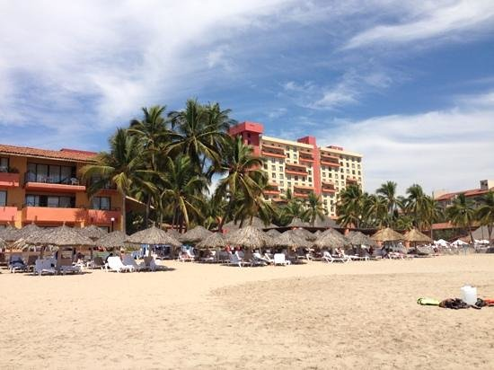 Holiday Inn Resort Ixtapa: Playa el Palmar, donde se ubica el Hotel Presidente Intercontinental.