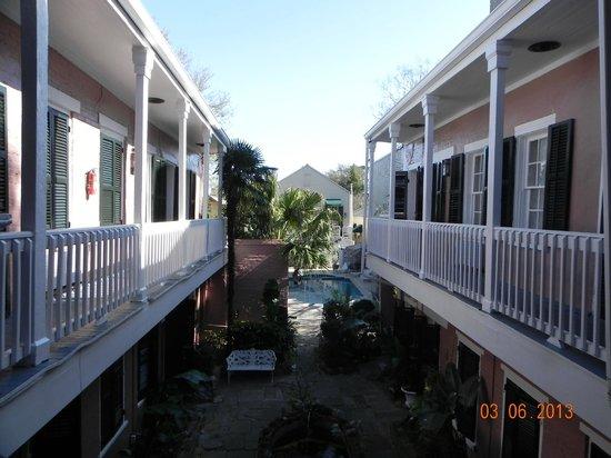 Lamothe House Hotel: 2nd floor balcony