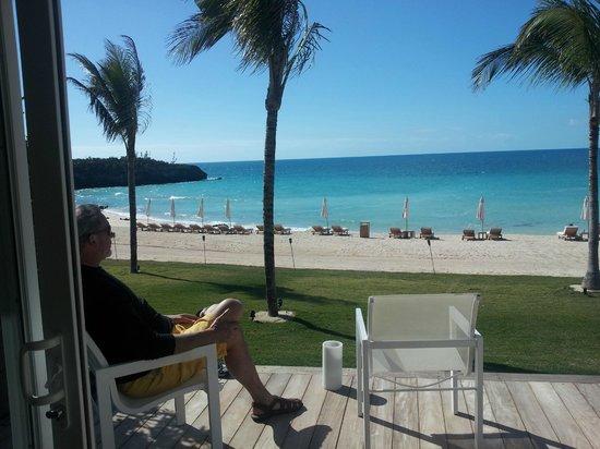 The Cove Eleuthera: Caribbean Cove Deck & South Beach