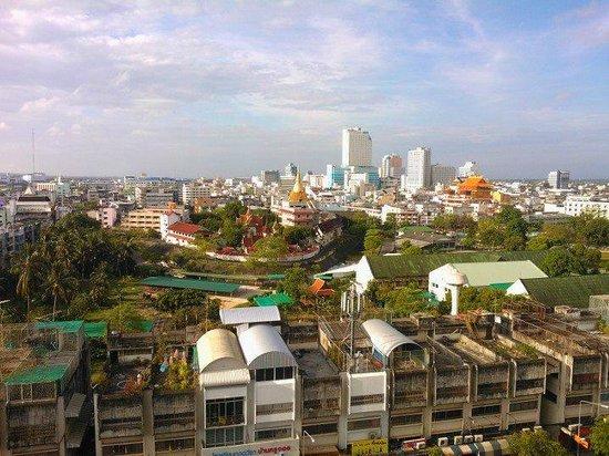 هانسا جيه بي هوتل: Hatyai view from 6th floor JB hotel