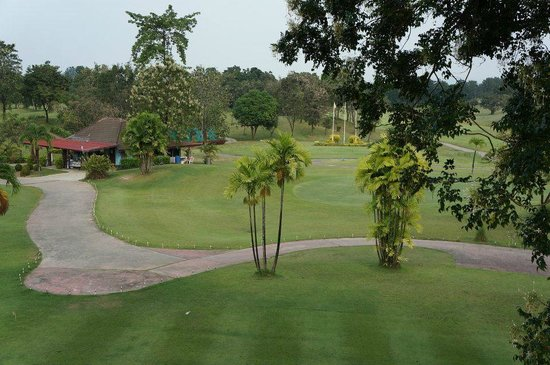 Dragon Hills Golf Hotel: Dragon hill golf course