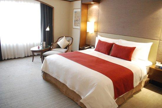 Crowne Plaza Bangkok Lumpini Park: Room at 26th Floor