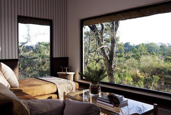 Londolozi Pioneer Camp: Londolozi Pioneer Suite Lounge