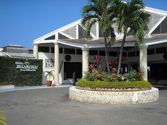 Royal Decameron Club Caribbean: A nice clean hotel.