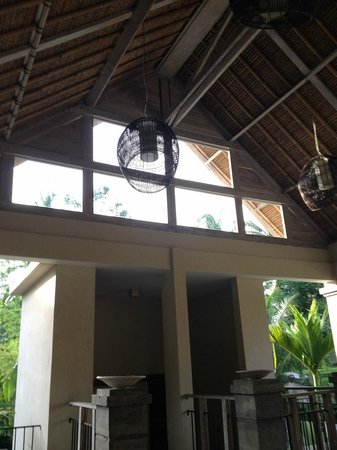 Puri Sunia Resort: at the restaurant