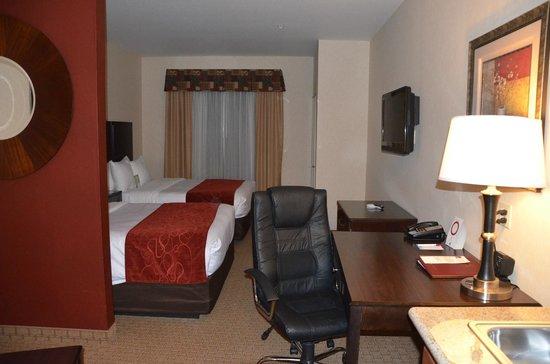 Comfort Suites Barstow: Room