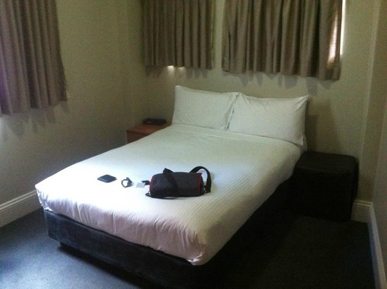1831 Boutique Hotel: Bed