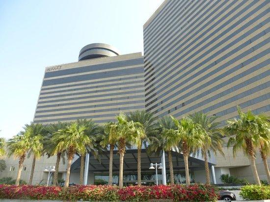 Hyatt Regency Dubai: Hotel exterior