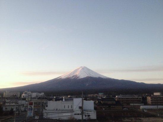Kawaguchi lake business & resort Sawa Hotel: View of Fuji-san from our balcony