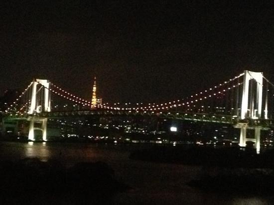 Hilton Tokyo Odaiba: 夜景は綺麗だが。