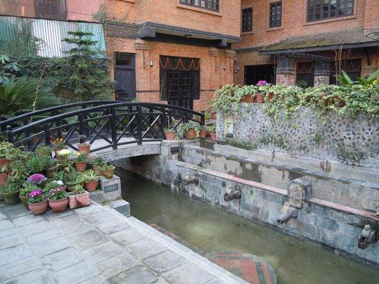 Hotel Courtyard esterno