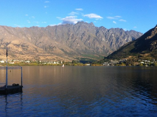 Boat shed cafe: View of remarkables