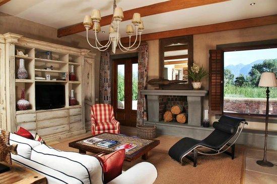 La Petite Dauphine: Exclusive Villa Suite