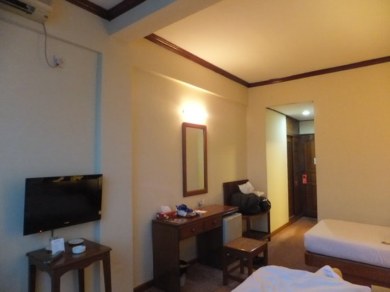 Panorama Hotel: desk (room No. 710)
