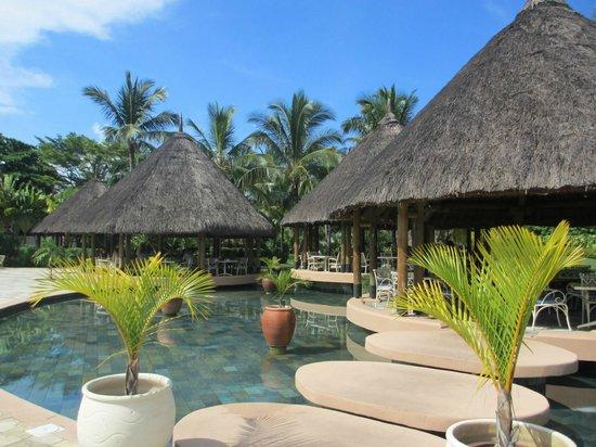 La Pirogue Resort & Spa: Buffet restaurant