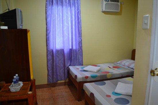 Hotel Efemela: twin rm