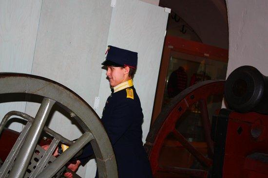 Army Museum: можно одеть форму и поиграть