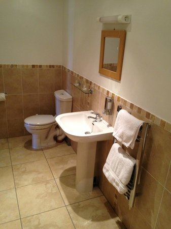 Fernhill Bed and Breakfast: Bathroom
