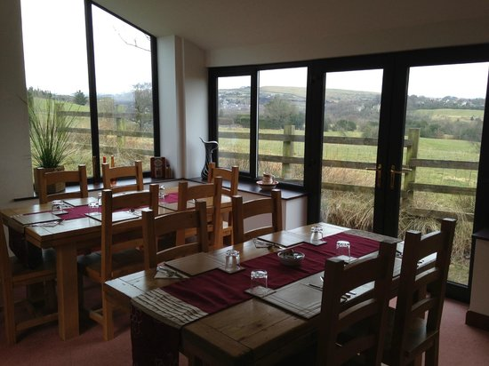 Fernhill Bed and Breakfast: Dining Room