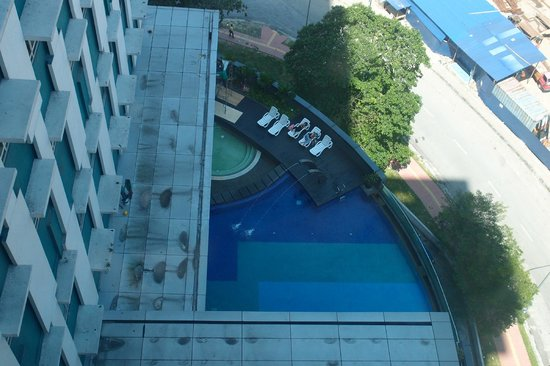 Furama Bukit Bintang: pool area