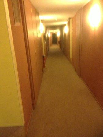 Pierre & Vacances Residence Le Belmont: hallway