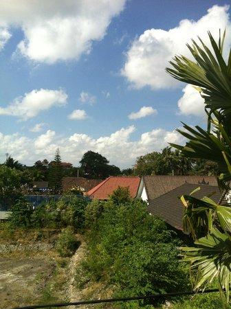 The Dipan Resort Petitenget: Aussicht vom Balkon