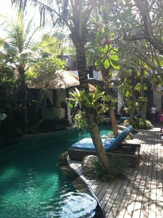The Dipan Resort Petitenget: Minipool
