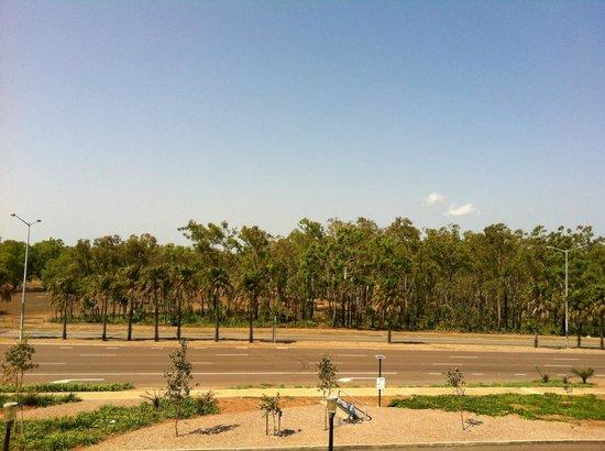 Quality Hotel Darwin Airport: Blick vom Zimmer in Richtung Flughafen