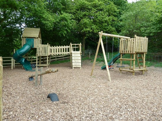 Barn Farm Camping: Children's Outdoor Play Area