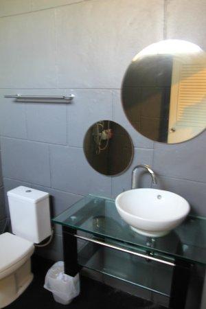 Dream Garden Hostel: buthroom