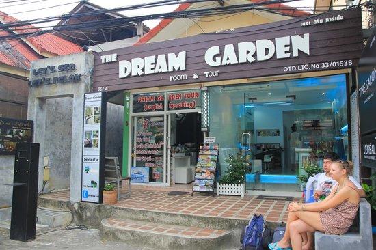 Dream Garden Hostel: Front