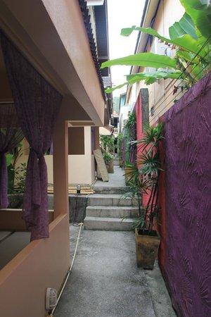 Dream Garden Hostel: tight territory